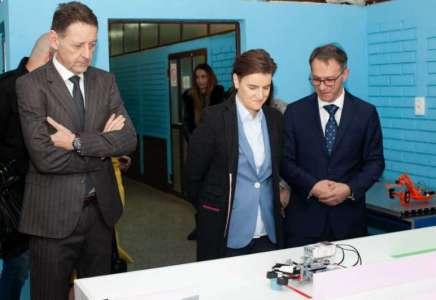 """Premijerka Ana Brnabić posetila Srednju mašinsku školu """"Pančevo"""""""