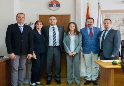 Poseta guvernera distrikta 2483 Srbija i Crna Gora Rotari klubu Pančevo i gradonačelniku Pančeva