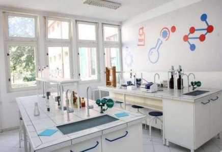 """Tehnička škola """"23. maj"""" u Pančevu dobila savremenu ekološku laboratoriju"""
