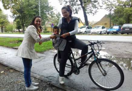 Biciklisti u Pančevu dobili na poklon led rasvetu