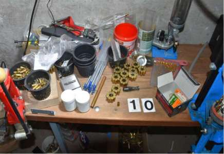 Osumnjičen za proizvodnju, držanje, nošenje i promet oružja i eksplozivnih materija