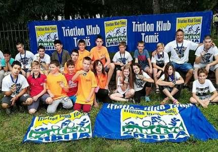 Triatlonci osvojili 14 medalja u Bačkom Novom Selu