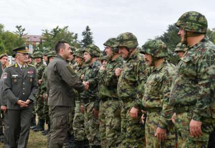 Ministar Vulin obišao pripadnike rezervnog sastava na obuci u Pančevu