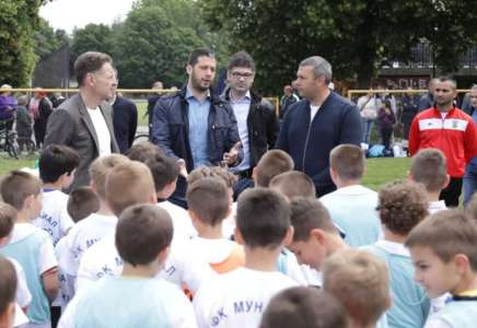 Ministar sporta obišao klubove u Pančevu i Dolovu