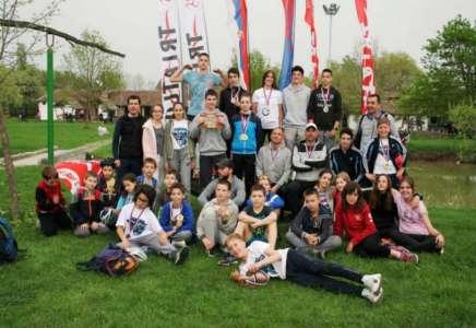 Triatlonci iz Pančeva osvojili 13 medalja na početku takmičarske sezone