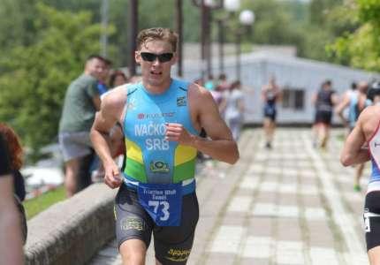 Pančevci osvojili veliki broj medalja na 26. pančevačkom triatlonu