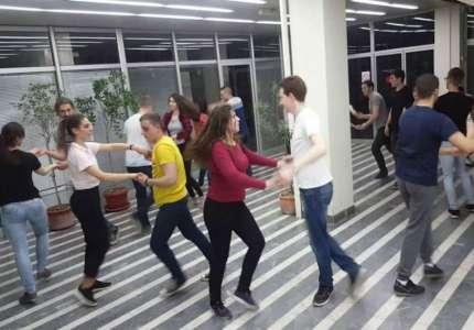 Salsa žurka na Danima Vajferta