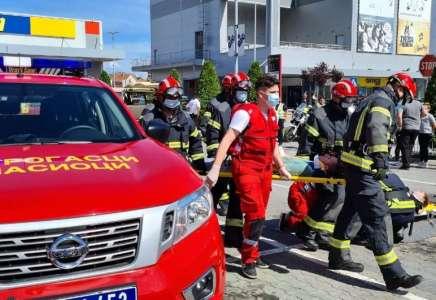 Pokazna vežba vatrogasaca na platou ispred Gradske uprave Pančevo 17. septembra