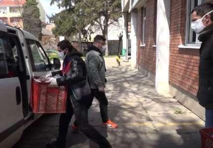Najugroženijim građanima volonteri svakog dana dostavljaju kuvane obroke