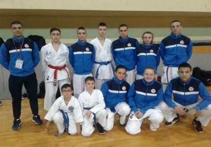 Pet medalja za karatiste iz Pančeva na Školskom prvenstvu Srbije