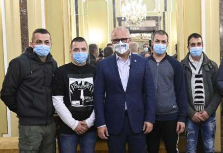 Goran Vesić priredio prijem za Pančevce koji su spasili devojku iz požara