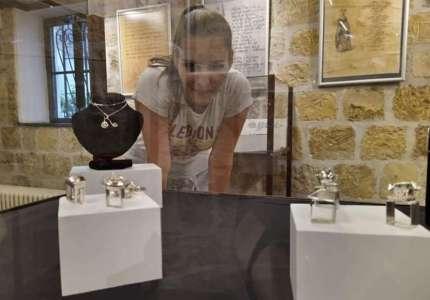 Leksikon kulture: u svetu minijatura studentkinje vajarstva Marije Peštanac