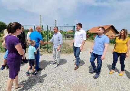Ministar Nedimović i sekretar Božić razgovarali s ratarima u Pančevu