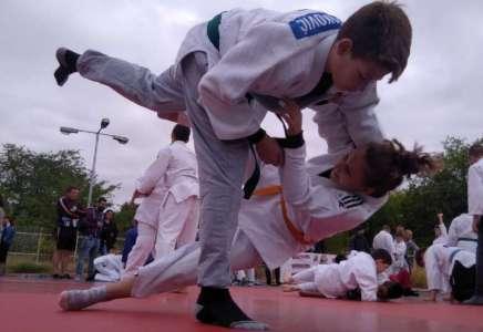 Džudo: Medalje za Petra Novakovića i Milenu Sekulović na turniru u Bugarskoj