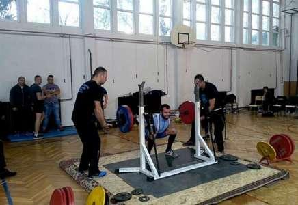 Powerlifting: Filip Vlajić oborio dva rekorda na Državnom prvenstvu