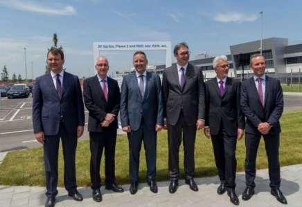 U prisustvu predsednika Srbije Kompanija ZF otvorila je novu fabriku električnih pogona u Pančevu