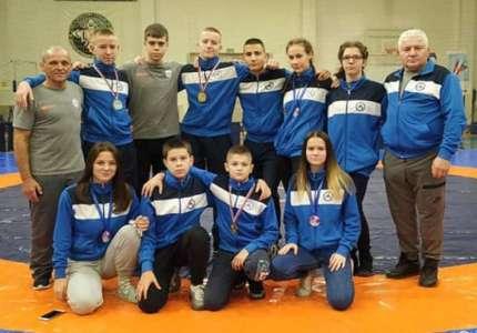 Rvači Dinama osvojili su devet medalja na Prvenstvu Srbije