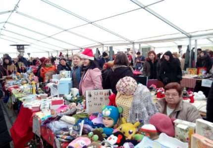 Počeo Novogodišnji bazar (FOTO)
