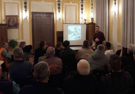 U toku predavanja za vozače traktora o bezbednosti u saobraćaju