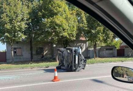 Vozači oprez: Udes kod Staklare u Pančevu, kod ulaza u Utvu