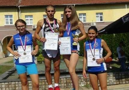 Tri medalje za AK Panonija na uličnoj trci u Krupnju
