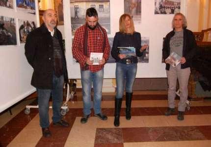 Otvorene izložbe karikature i fotografija u Kačarevu na temu slanine