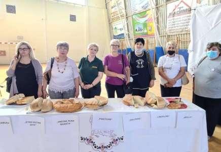 """Manifestacija """"Banatski hleb"""" održana u Banatskom Novom Selu"""