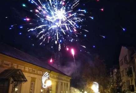 Nova godina dočekana uz muziku u vatromet