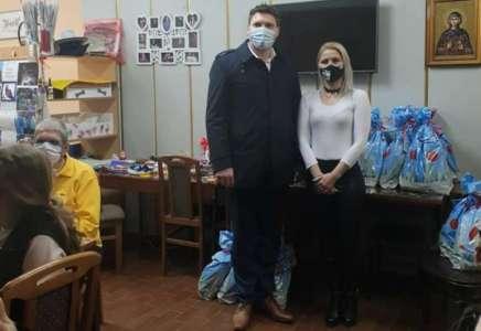 Gradonačelnik Pančeva uručio paketiće Udruženju MNRO