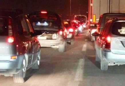 Gužve na Pančevačkom mostu zbog sudara dva automobila