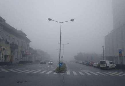 Gusta magla i smog otežavaju disanje u Pančevu