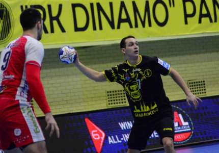 Rukometaši Dinama pobedili Vojvodinu sa 22:20