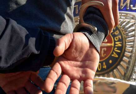 Filmska potera u Pančevu: Drogiran i naoružan automatskom puškom bežao policiji pa uhvaćen