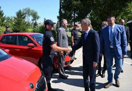Ministar Stefanović: investiranje u Sektor za vanredne situacije doprineće još efikasnijem radu vatrogasaca-spasilaca