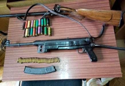 Pančevačka policija pronašla lovačku i automatsku pušku u kući 71-godišnje žene