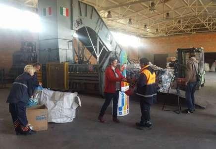 """U akciji """"Otpad odvoji poklon osvoji"""" prikupljeno 300 kg pet ambalaže i limenki"""