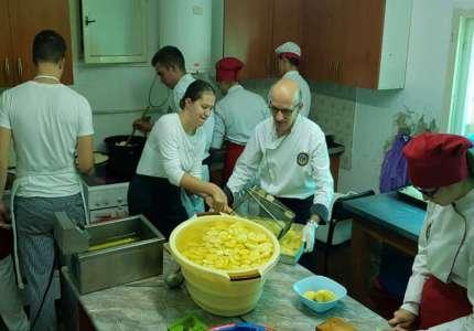 """Jubilarni """"Gastronomski događaj"""" okupio veliki broj učesnika"""