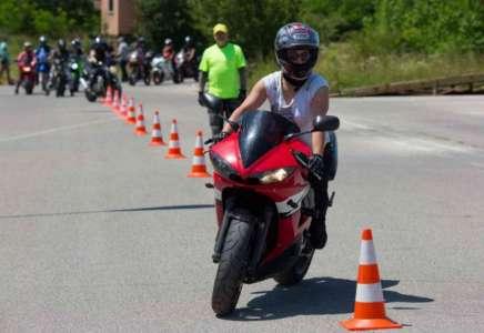 Održan trening bezbedne vožnje za vozače motocikala