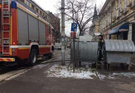 Požar u kontejnerima u centru grada umalo ugrozio i objekte