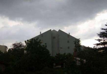 Upozorenje RHMZ: mogući pljuskovi, a ponegde i grad