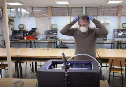 Profesori Mašinske škole i đaci izrađuju i poklanjaju vizire za zdravstvene radnike